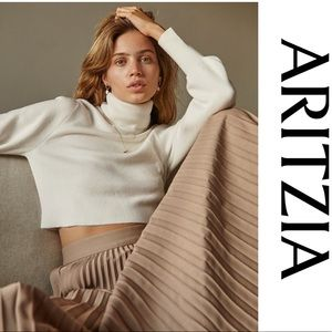 Aritzia Wilfred Rebbeca Sweater size small crop